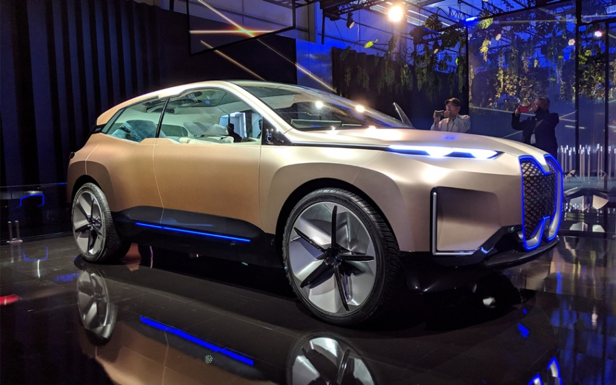 BMW Vision iNEXT [video]